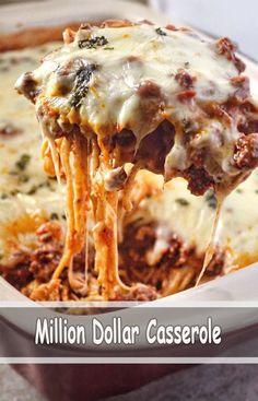 Baked Spaghetti Recipe (Million Dollar Spaghetti) - Recipes Meat Recipes, Cooking Recipes, Online Recipes, Good Food, Yummy Food, Tasty, Casserole Dishes, Beef Casserole Recipes, Pasta Dishes