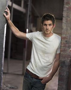 Dave Annable - Jeans & White T-shirt