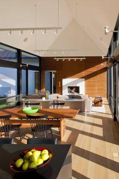 Becherer House / Robert M. Gurney Architect. © Maxwell MacKenzie Architectural