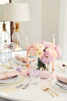 Dinning Room, Glam Tablescape, holiday table settings