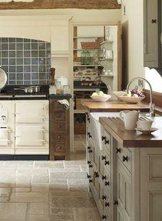 aménagement pour la cuisine de style rustque, meubles en bois, couleur mur cuisine