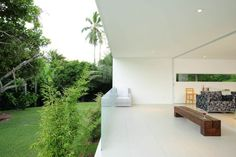 Beautiful White House by Bento e Azevedo Arquitetos Associados , Located in Camaçari – Bahia – Brazil, Classic bright exterior. The house is perfect combination of simplicity, luxury, elegance and openness. Lush green surroundings of the house makes the Outdoor Spaces, Indoor Outdoor, Outdoor Living, Outdoor Decor, Outdoor Furniture, Web Design, House Design, Bento, White House Interior
