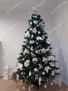 Ako ozdobiť vianočný stromček ? trendy pre rok 2020   Svet Stromčekov Christmas Tree, Holiday Decor, Organization, Home Decor, Ideas, Toddler Girls, Xmas, Noel, Teal Christmas Tree