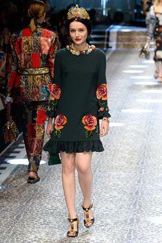 Vogue.com | Fall 2017 Dolce and Gabbana