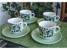 Fyra kaffekoppar med fat, Göran Bäck, Arabia. Retro!