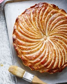 Galette des Rois : A buttery almond frangipane filling encased in puff pastry, Debbie Major shares her foolproof recipe for a classic almond pithivier. Puff Pastry Recipes, British Baking, Delicious Magazine, Sweet Recipes, French Recipes, Cuban Recipes, Tray Bakes, Scones, Sweet Tooth