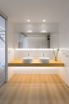 bathroom remodel shiplapisextremely important for your home. Whether you choose the dyi bathroom remodel or bathroom towel ideas, you will make the best remodeling bathroom ideas for your own life. Vintage Bathroom Decor, Vintage Bathrooms, Small Bathroom Storage, Bathroom Design Small, Bathroom Trends, Bathroom Interior, Bathroom Ideas, Dyi Bathroom Remodel, Interior Lighting