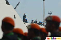 Pasukan Satgas Maritim Kontigen Garuda bersiap diberangkatkan menggunakan KRI Sultan Hasanuddin-366 menuju Lebanon.