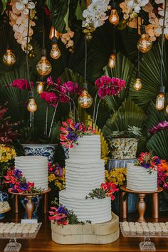 Tropical Party Decorations, Dance Decorations, Wedding Decorations, Wedding Entrance, Entrance Decor, Rustic Cake Tables, Farm Wedding, Dream Wedding, 40th Bday Ideas