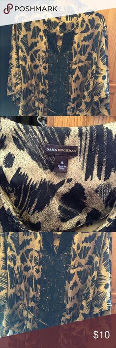 Xl print Dana buchman flare sleeve and tie belt Xl print top with tie belt Dana Buchman Tops Tees - Short Sleeve