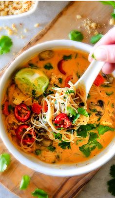 ONE POT Thai Chicken Noodle Soup will be one of your favorite soups you ever make! You will be craving this warm, comforting fragrant soup for days! CP made it as written except no kaffir leaves. Added more Heat but absolutely delicious. Soup Recipes, Chicken Recipes, Cooking Recipes, Hamburger Recipes, Vegetarian Cooking, Dinner Recipes, Thai Chicken Noodles, Rice Noodles, Chicken Rice