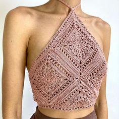 Crochet Skirts, Crochet Halter Tops, Crochet Bikini Top, Diy Crochet, Crochet Top, Crochet Clothes, Crochet Leaf Patterns, Crochet Designs, Woolen Clothes