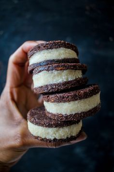 double-stuffed raw vegan oreos #kombuchaguru #rawfood Also check out: http://kombuchaguru.com
