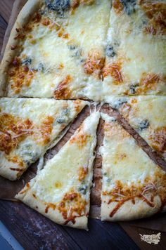 Yams, Dumplings, Bon Appetit, Yummy Food, Yummy Yummy, Mozzarella, Food And Drink, Pizza, Bread