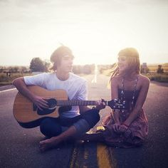 Who would of thought taking a photo sitting in the middle of the road with a guitar would be so darling?!