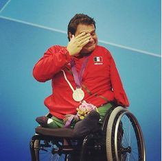 Arnulfo Castorena won his first gold medal in swimming for Mexico in the Paralympics.