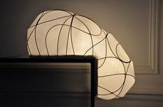 Lampe L par Anna Leymergie