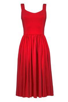 Wygodna, czerwona sukienka na szerokich ramiączkach. Pod Baśniowy Ethereal (mogę korzystać z palety Deep Winter, tam jest Dark True Red - wg mnie to właśnie ten odcień).