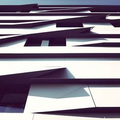 Arquitecture Photography by Sebastian Weiss Architecture Design, Minimalist Architecture, Contemporary Architecture, Building Windows, Pinterest Photography, Aix En Provence, Toulouse, Optical Illusions, Textures Patterns