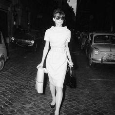 Обтягивающее платье миди 60-х годов