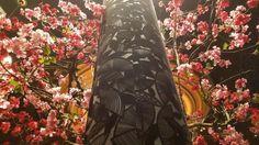 Pillar with velvet pattern