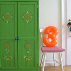 grüne-garderobe-kleiderschrank