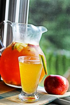 Perfect for an autumn party--Apple Cider Sangria