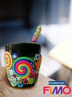 Realiza una creativa taza, con arcilla polimérica.