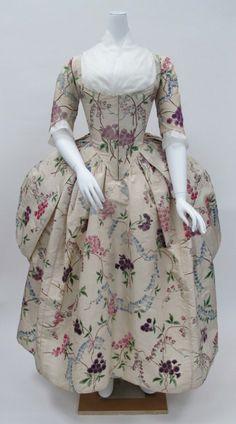 Robe à la Polonaise1780sThe Metropolitan Museum of Art