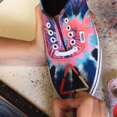 Time lapse video of the Bastille Doom Days tie-dye Vans Authentic trainers being painted up. Tie Dye Vans, Tie Dye Shoes, How To Dye Shoes, Custom Converse, Custom Vans, Custom Shoes, Painted Converse, Painted Sneakers, Vans Authentic