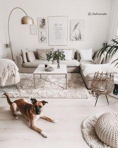 Ideal Bed Room Furnishing Tips For Modern Homes - Home Decors Hemnes, Bedroom Wall, Bedroom Decor, Newlywed Bedroom, Small Apartment Bedrooms, Painted Wood Signs, Luxor, Home Builders, Home And Living