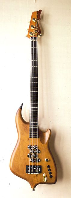 Atlansia Concord Bass. Those pickups boggle my mind. Really innovative.