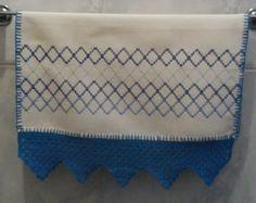 Toalha de Vagonite Com Crochê Azul