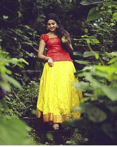 bla bla Beautiful Girl Indian, Beautiful Girl Image, Beautiful Saree, Beautiful Indian Actress, Beautiful Flowers, Cute Girl Photo, Girl Photo Poses, Girl Photos, Photo Shoot