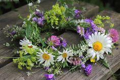 Wedding Bouquets, Wedding Flowers, Summer Deco, Meadow Garden, Midsummer Nights Dream, My Secret Garden, Summer Wreath, Wild Flowers, Flower Arrangements