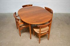 Mid Century Modern Danish Peter Hvidt Style Dining table with Chairs