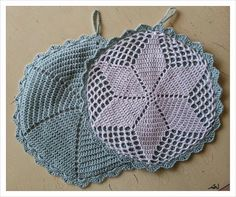 Prunes from everyday life: Grandmothers potholders Potholder Patterns, Crochet Potholders, Crochet Doilies, Crochet Patterns, Crochet Kitchen, Crochet Home, Love Crochet, Knit Crochet, Doily Art