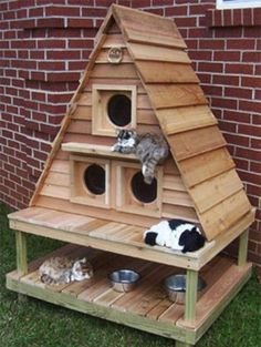 Pallet Outdoor Furniture 29 Awesome Pallet Furniture repurposed designs you can create for your home Outdoor Cat House Pallet Furniture Designs, Pallet Patio Furniture, Pet Furniture, Bedroom Furniture, Furniture Projects, Simple Furniture, Furniture Plans, Garden Furniture, Balcony Furniture
