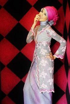 model kebaya muslim Model Kebaya Muslim, Model Kebaya Modern, Kebaya Dress, Hijab Fashion Inspiration, Fashion Ideas, Designer Evening Dresses, Beautiful Hijab, Modest Outfits, Modest Clothing