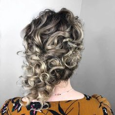 30 Trendy Short Updo Styles for Any Occasion Curly Updos For Medium Hair, Thin Curly Hair, Up Dos For Medium Hair, Short Hair Updo, Short Wedding Hair, Medium Hair Styles, Curly Hair Styles, Latest Short Haircuts, Short Hairstyles For Women