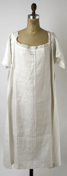 "Chemise/shift, ca. 1780, American. Length at CB, 42"". MET, 2005.369."