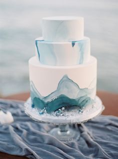 The latest and greatest in wedding cake trends span the spectrum from barely there buttercream to elaborate works of art. This diverse pastry landscape shows how cake artists Fondant Wedding Cakes, Cool Wedding Cakes, Beautiful Wedding Cakes, Wedding Cake Designs, Fondant Cakes, Wedding Cake Toppers, Beautiful Cakes, Wedding Ideas, Bolo Cake