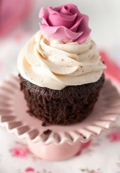 Cupcake Couture, Beautiful Cupcakes, Desserts, Food, Tailgate Desserts, Deserts, Essen, Postres, Meals
