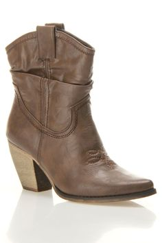 Bucco Virgas Short Western In Cafe - Beyond the Rack-- these are cute!