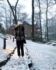 """67.7 mil curtidas, 302 comentários - Thássia Naves (@thassianaves) no Instagram: """"E o dia amanheceu assim... ❄️☃️ #thassiastyle #btviaja #snowtrip"""""""