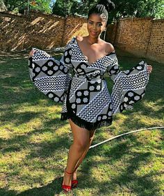 The ideal source for your afro chic life style and fashion site Unique Ankara Styles, Ankara Dress Styles, African Print Dresses, African Dress, African Prints, Kente Styles, Ankara Tops, African Clothes, African Fabric