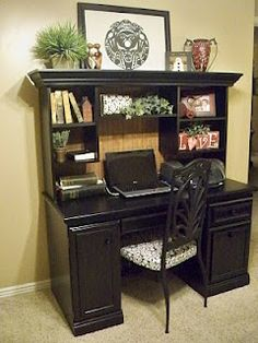 This beautiful desk sure didn't look like this to start. YouCraftMeUp took a cheapo paper-laminate desk and turned it into a GEM. Wow!