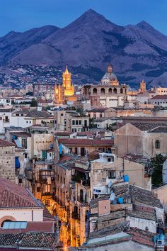 Palermo, Sicily, Italy … One of my favorite places to be at dawn. Places Around The World, The Places Youll Go, Travel Around The World, Places To See, Around The Worlds, Italy Vacation, Italy Travel, Italy Trip, Voyage Rome