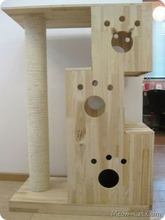 What an awesome way to WOW your cat! Here are 6 Free plans for cat trees! It offers your cat exercise and enjoyment!