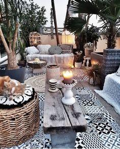 ideas for boho patio diy decks Garden Seating, Outdoor Seating, Outdoor Rooms, Outdoor Living, Outdoor Furniture Sets, Outdoor Decor, Outdoor Balcony, Outdoor Ideas, Rooftop Garden